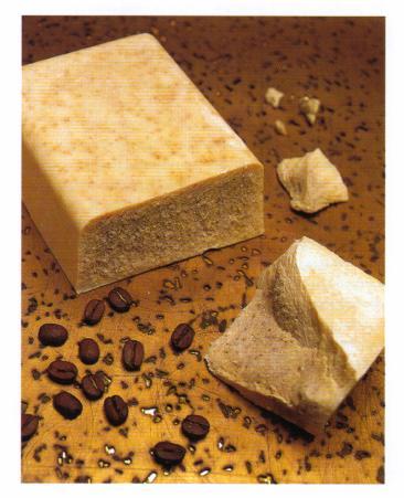 Sapone fatto in casa facile ed ecologico - Detergenti naturali facuti in casa ...