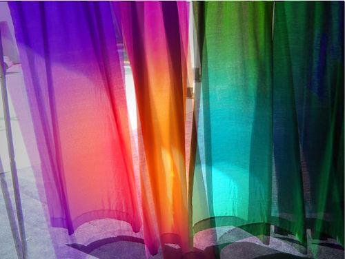 Nuova luce alla casa con le tende da interni